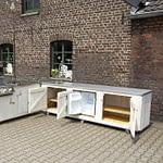 Zweiteilige Gartenküche Country mit Napoleon Grill, Boiler, Kühlschrank und 2er Gas-Kochfeld