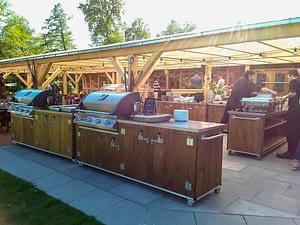 Outdoor Küche Country für die Gastronomie mit Napoleon Gas-Grill Bi 605