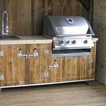 Aussenküchen Country Vintage Marone mit Gasgrill Napoleon Bilex 485 und Boiler