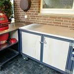 Outdoorküchen Iron 2 Teilig mit Holzkohlegrill Egg Rot und Edelstahl Arbeitsplatte