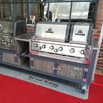 Outdoor-Küchen Modell Iron mit Broil King Grill für Gastronomie