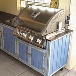 Aussen Küche Iron Taubenblau mit Napoleon Gasgrill Bilex 485 und Einbau Wokbrenner mit 14 KW