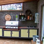 Gartenküche Iron mit Santos Free Eden Gas Grill und 4er Gaskochfeld, Arbeitsplatte Rosso Multi Color Granit
