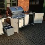 Outdoorküche Iron Modell Metal weiß mit Napoleon Bilex 485 statt 605